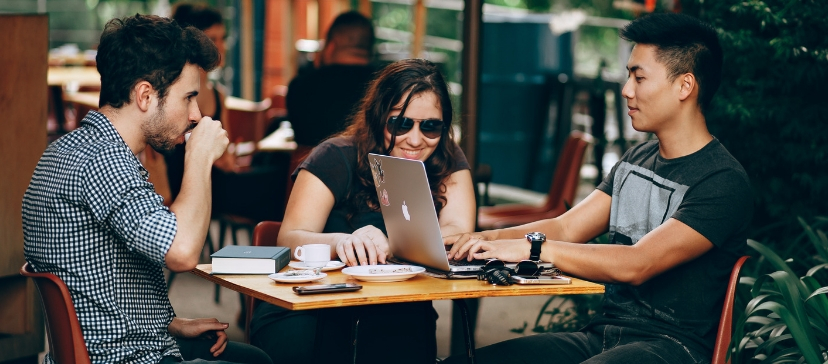 socialize-in-coworking-space
